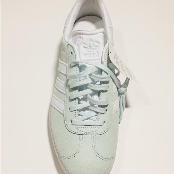 adidas gazelle size 9